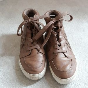 Shoes - Brown faux leather lace ups